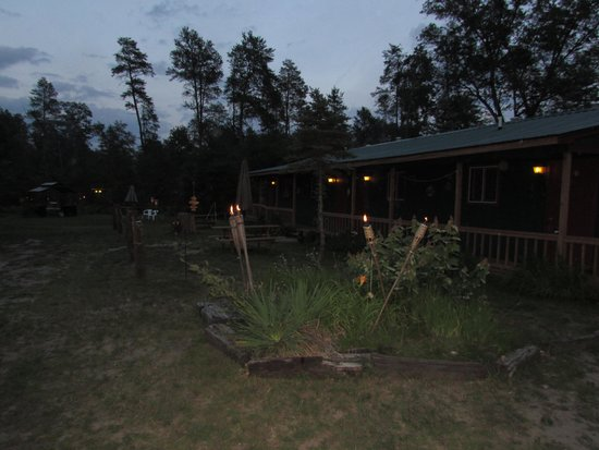 Best Bear Lodge & Campground: picture of the lodge