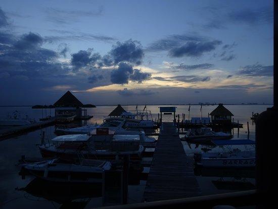 Puerto Madero Cancún: sunset at Puerto Madero