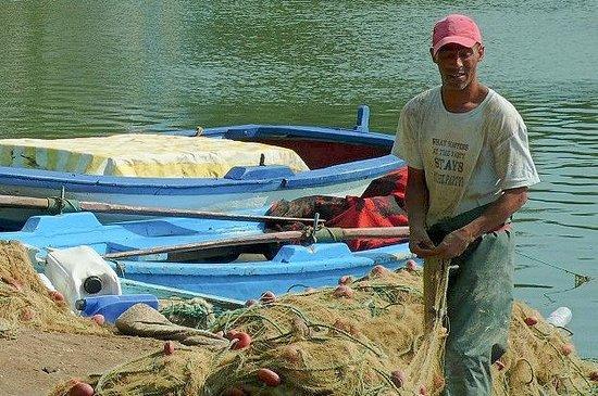 Punic Ports & Museum: Tunisia: pescatore del luogo