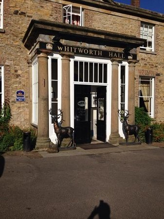 Best Western Whitworth Hall Hotel: the entrance to the hotel