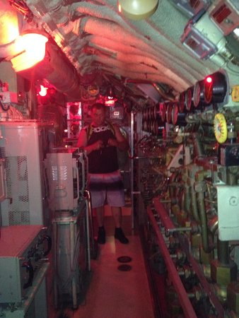 Independence Seaport Museum: Внутри подлодки