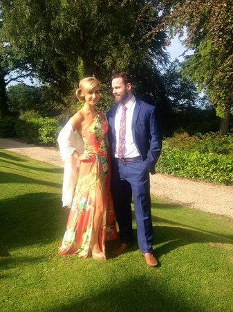 Tinakilly Country House Hotel & Restaurant: Wedding guests at Tinakilly House