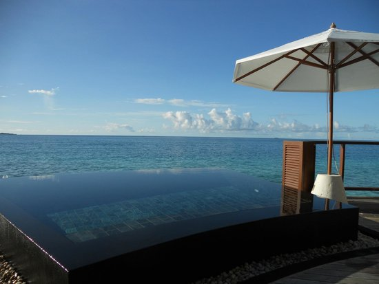 Rihiveli by Castaway Hotels & Escapes: uitzicht uit de kamer