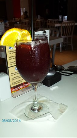 Hotties Bar & Restaurant : Free Sangria if you spend more than 30