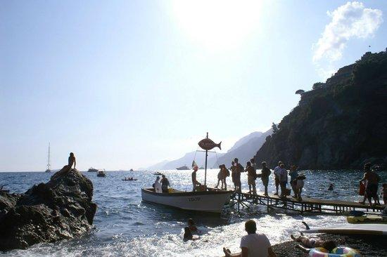 boat from da adolfo going back to positano
