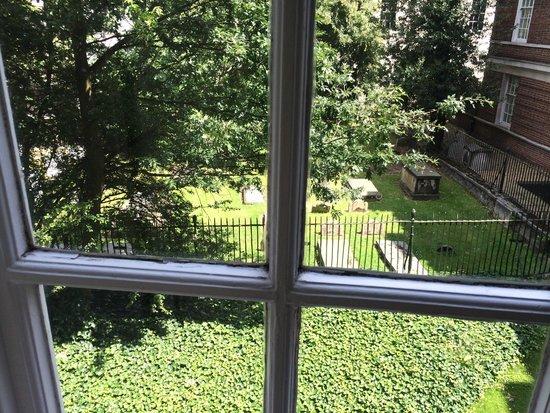De Vere Devonport House: View of graveyard from room!