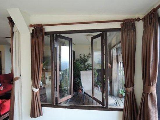 Riguang Hanguan: ベッドルームから出窓