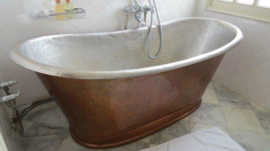 The Cabochon Hotel : bath