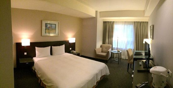 Lakeshore Hotel Metropolis I : Spacious room assigned by the hotel. Clean and comfort