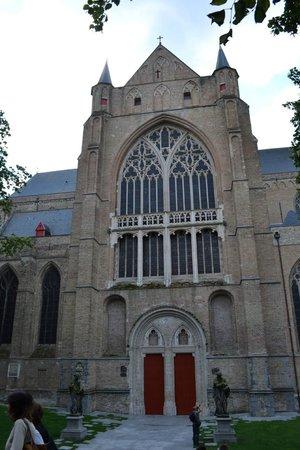 Holy Savior Cathedral (Sint-Salvatorskathedraal) : Facciata laterale