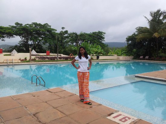 The Gateway Hotel Chikmagalur: Pool