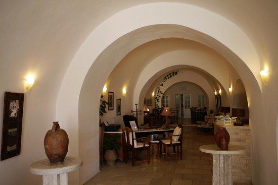 Nefeles Suites Hotel: Reception & Breakfast area