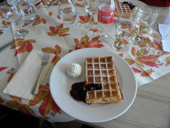 Hotel Restaurant Bergsonne : sobremesa