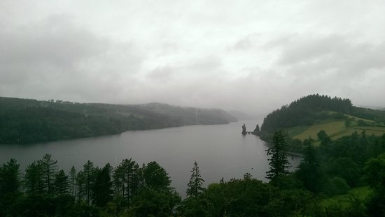 Lake Vyrnwy Hotel & Spa: Misty morning