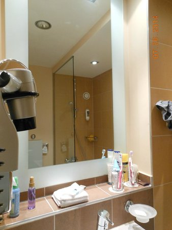 Mercure Hotel München City Center: great hairdryer