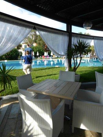 SENTIDO Apollo Palace : vue sur une splendide piscine