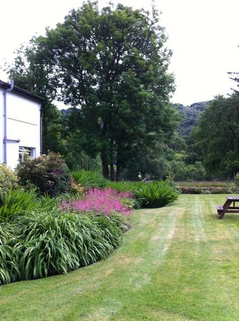 The Brander Lodge Hotel & Bistro: a corner of the Garden