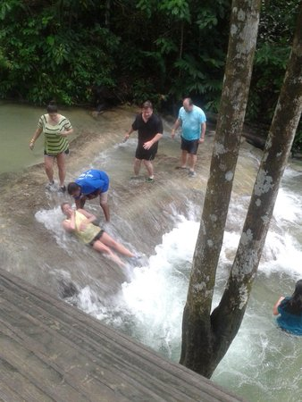 "Dunn's River Falls and Park: Sliding down the ""human waterslide"""