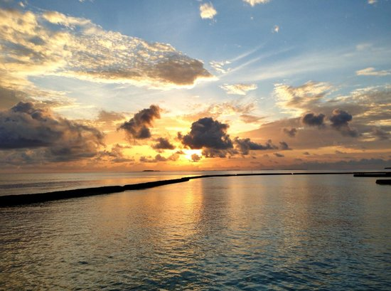 Baros Maldives: Sunrise