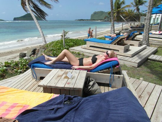 Coconut Bay Beach Resort & Spa: beachfront