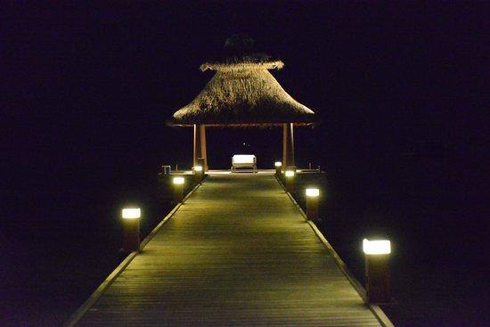 Baros Maldives: Pier