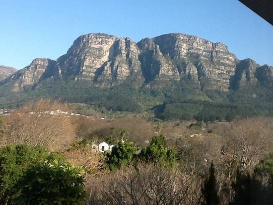 table mountain as seen from vineyard hotel