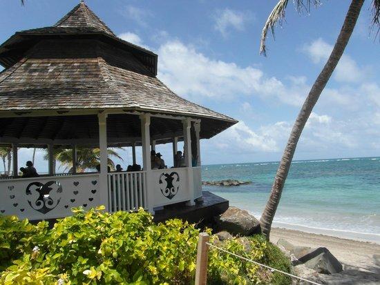 Coconut Bay Beach Resort & Spa: wedding area