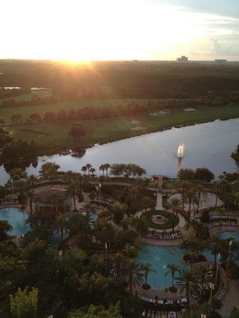 JW Marriott Orlando, Grande Lakes : Lake View King Room - Room View