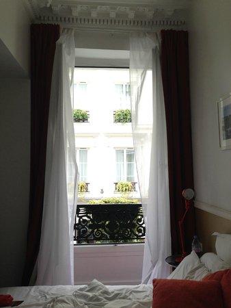 Hotel Monterosa - Astotel: Вид из номера на соседний отель это же сети Astotel