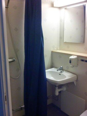 Forest Hotel: salle de bain