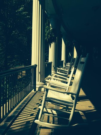 West Baden Springs Hotel: Restful porches