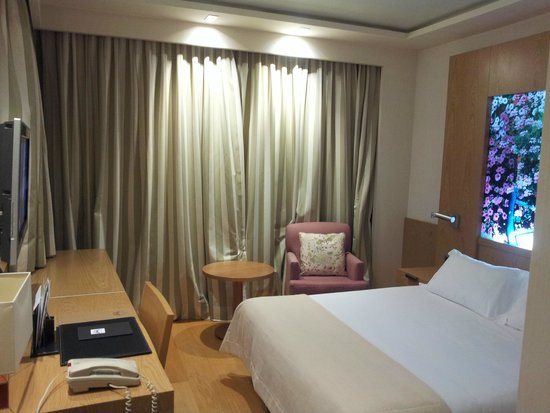 Nelva Hotel: Chambre confortable
