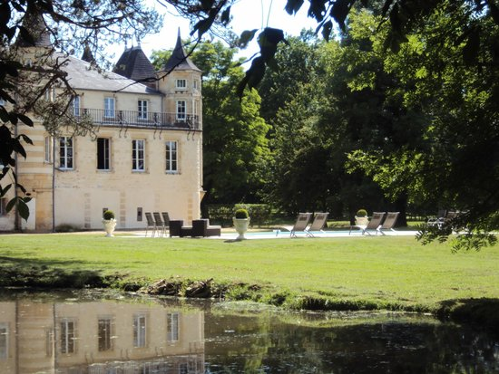 Chateau du Four de Vaux : la piscine