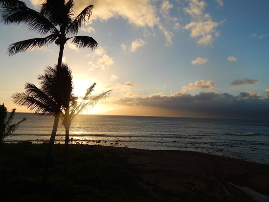 Kahana Village: Sunset from the condo- Ocean view