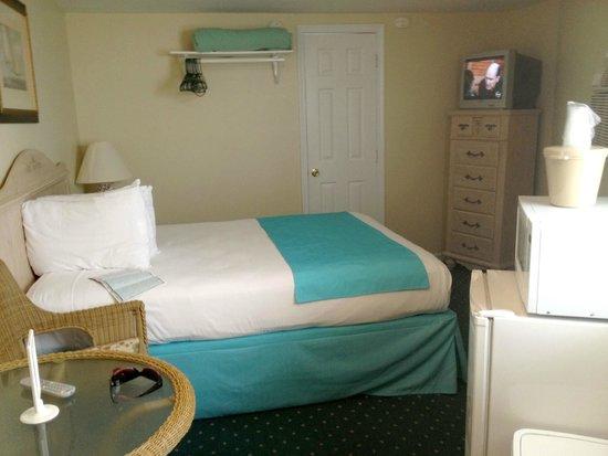 Aztec Resort Motel : The Hideaway Room