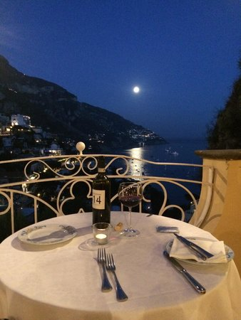 Ristorante Mirage: bottle of wine and view