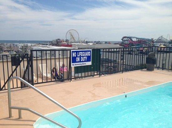 Premiere Motor Inn: Rooftop Pool