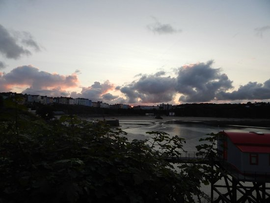 Guided Tours Wales: Sunset at The Lifeboat Station