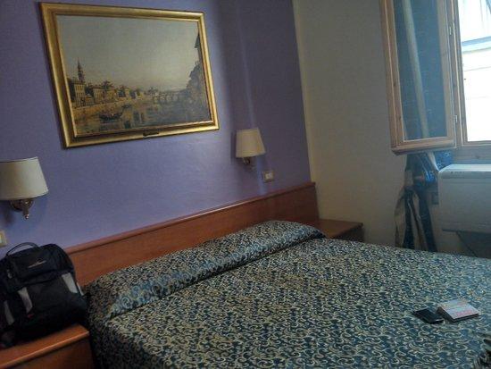 Hotel Santa Croce : Quarto