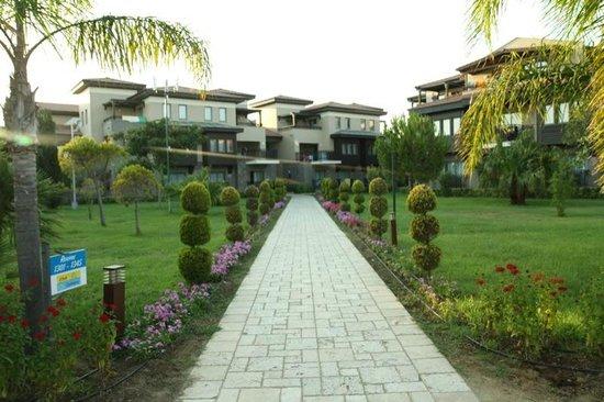 Club Calimera Serra Palace: Alejka hotelowa
