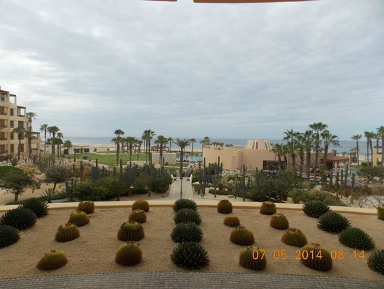 Pueblo Bonito Pacifica Golf & Spa Resort : View from the lobby to the Pacific