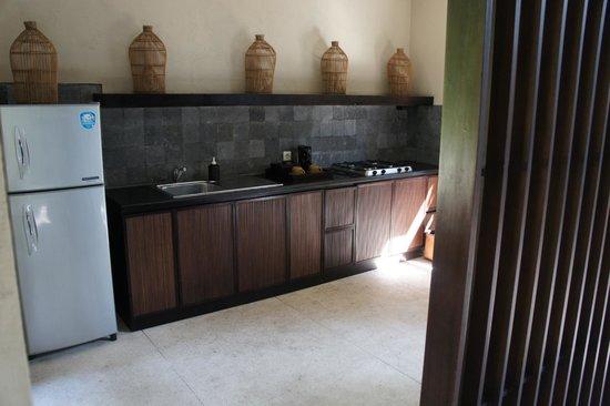 Kayumanis Sanur Private Villa & Spa: La cuisine de plein air privée
