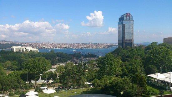 Hilton Istanbul Bosphorus: View from room - Bosphorus