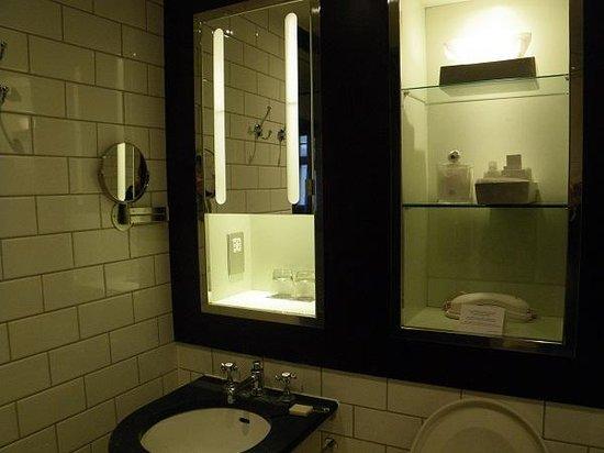 Andaz London Liverpool Street : Bathroom