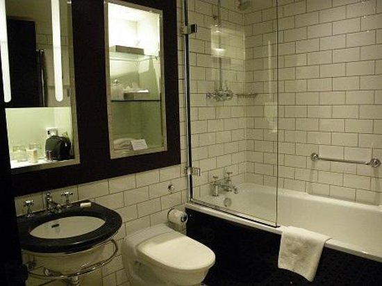 Andaz London Liverpool Street: Bathroom