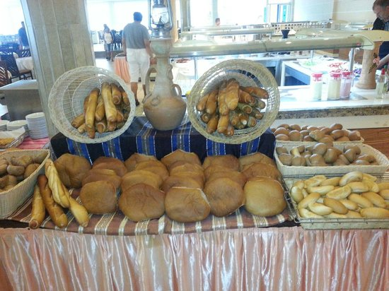 IBEROSTAR Mehari Djerba : Bread at breakfast