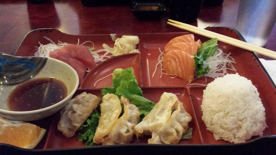 joy sushi: Bento Box