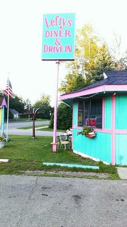 Lefty's Dinner and Drive-in : Lefty's diner in caseville Michigan