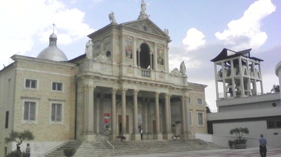 Isola del Gran Sasso d'Italia, Italie: vecchio santuario