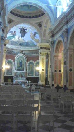 Santuario di San Gabriele dell'Addolarata: interno vecchio santuario